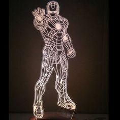 Geile #IronMan #Marvel 3D Lampe.  Mehr coole #Geschenkideen, geeky Stuff, Gadgets und mehr auf devallor.de - Make it yours!