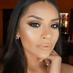 "How beautiful looks @iheart_sarahiiy Wearing @maccosmetics ""Peach stock"" & @motivescosmetics ""Amazing"" lipgloss? We love it  ____________________________________________ All #motives products are available for US/CAN at http://ift.tt/19oQHy4 or internationally at Global.Shop.com #motd #motivescosmetics #makeup #beauty #glam #mua"