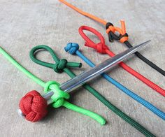 If you only learn one knot make it the marlin spike hitch. It's simple to tie and leads you right into 4 other great knots. It's much more useful than the common overhand knot which is the same knot you tie your shoe with.Here are the 5 knots you can tie with this basic know-how: 1. Marlin Spike Hitch2. Noose Knot3. Oysterman's Stopper Knot (trefroil)4. Bowline5. Twin Bowline BendThis is how to tie them from a marlin spike hitch and what you would use them for... Check out the Paracord…