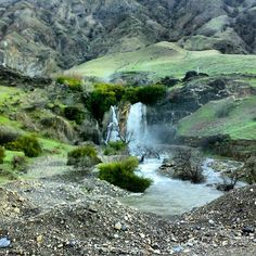 Sirom Waterfall, Papi District, Khorram Abad County, Lorestan province, Iran (Persian: آبشار سیرم, بخش پاپی, خرم اباد, لرستان)