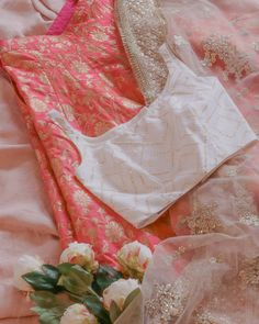 Looking to shop your bridal wear in Toronto? Then you have to check out this complete list of Toronto Lehenga Shopping brands. I've mentioned prices too! Indian Gowns Dresses, Indian Fashion Dresses, Dress Indian Style, Indian Designer Outfits, Bridal Dresses, Dress Wedding, Fashion Outfits, Fashion Trends, Indian Bridal Wear