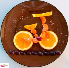 Fun Citrus Bike - Fun, healthy, creative food for kids big and small Fruit Decorations, Food Decoration, Food Art For Kids, Cooking With Kids, Toddler Meals, Kids Meals, Cute Food, Good Food, Fruit Creations
