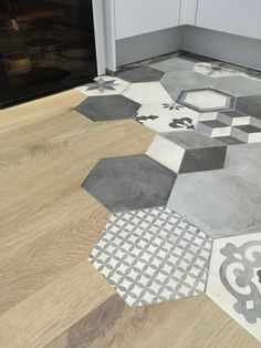 35 Mythical Flooring Transition Design and Ideas Wood Tile Kitchen, Kitchen Flooring, Terrazzo Flooring, Brick Flooring, Flooring Ideas, Kitchen Design, Floor Design, Tile Design, House Design