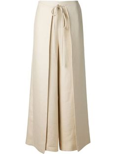 Shop Rosetta Getty wide leg apron-tie trousers in Fivestory from the world's… Women's Fashion - Designer Inspiration for 2018 Discover your favourite global labels & plenty of new designers all in one place at Farfetch. Shop womenswear at Farfetch and Wrap Pants, Skirt Pants, Trouser Pants, Palazzo Trousers, Fashion Pants, Hijab Fashion, Fashion Dresses, Hijab Stile, Pants For Women