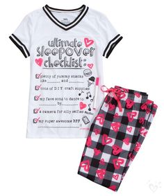 Find the latest in colorful and comfy sleepwear sets for girls at Justice! Shop cute pajamas in tons of fun prints and designs to match her individual style with our collection of sleepwear tops, bottoms, onesies and more. Cute Pjs, Cute Pajamas, Girls Pajamas, Justice Pajamas, Justice Clothing, Justice Outfits, Pijamas Women, Sleepwear Sets, Tween Fashion