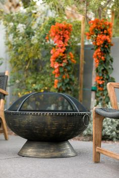 Is your style colorful and classic? Clean and contemporary? Rustic and modern? We've got three different fire pit looks to dress your outdoor space all season long.