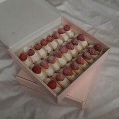 생딸기+소보루 오믈렛 :) #르브레드랩