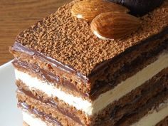 Tort  Opera - imagine 1 mare Romanian Food, Romanian Recipes, Cheesecakes, Tiramisu, Recipies, Deserts, Cooking Recipes, Sweets, Ethnic Recipes