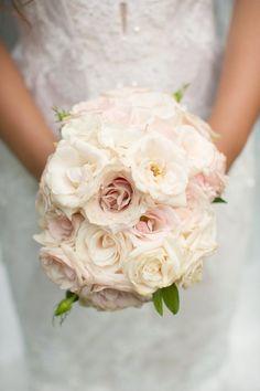 Wedding Bouquets :     Picture    Description  Dusty blush roses | Photography: Anna Kim Photography – annakimphotography.com/    - #Bouquets https://weddinglande.com/accessories/bouquets/wedding-bouquets-dusty-blush-roses-photography-anna-kim-photography-annakimphotography-com/