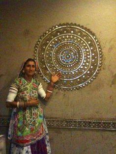 Posts about Lippan kaam written by craftcanvas Clay Wall Art, Clay Art, Mural Art, Wall Murals, Indian Folk Art, Wall Drawing, Indian Paintings, Wall Paintings, Art N Craft