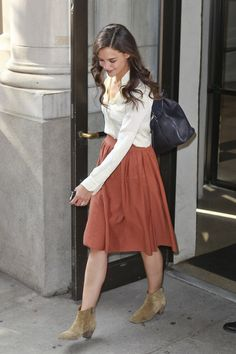 Celeb Mom Style: Katie Holmes Loves Her Laced-Up Suede Ankle Boots!