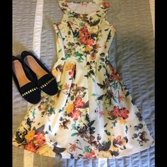 Candies Floral Dress Very soft very comfortable Candies brand floral dress. Candie's Dresses Midi