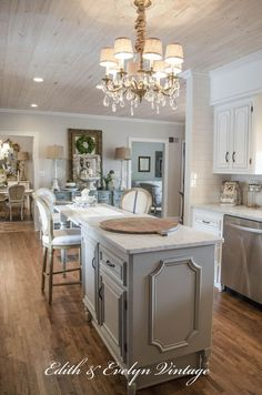 Transformation of a French Country Kitchen | http://www.edithandevelynvintage.com