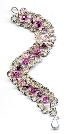 S link chainmaille bracelet Wire Wrapped Jewelry, Wire Jewelry, Jewelry Crafts, Beaded Jewelry, Jewelery, Beaded Bracelets, Jewelry Ideas, Jump Ring Jewelry, Chainmaille Bracelet
