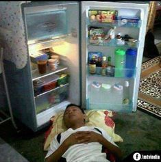 Image funny images of hot weather hosted in Life Trends 1 Hot Weather Humor, Weather Quotes, Funny Photos, Funny Images, Funny Photo Editor, Hate Summer, Desi Humor, Gb Bilder, Indian Pictures