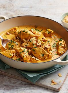 chicken korma When you want a chicken korma to be super creamy and gentle, you want this recipe.When you want a chicken korma to be super creamy and gentle, you want this recipe. Indian Food Recipes, Asian Recipes, Healthy Recipes, Indian Chicken Recipes, Savoury Recipes, Rice Recipes, Recipies, Ethnic Recipes, Easy Chicken Korma Recipe