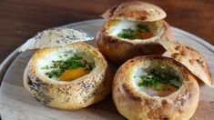 How do I make rolls with egg Cupcake Recipes, Snack Recipes, Healthy Snacks, Healthy Recipes, Good Food, Yummy Food, Egg Dish, Finger Foods, Pumpkin Spice