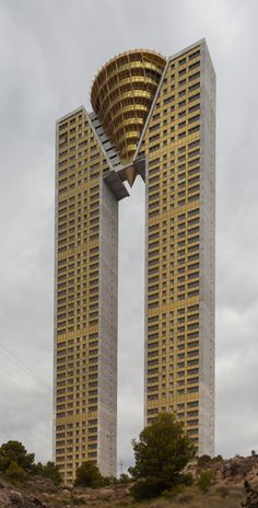 Residence In Tempo, Benidorm, 2006-14, Pérez-Guerras Arquitectos & Ingenieros. Restrained modernism forced into metaphor and sculptural theatrics.