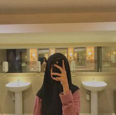 Foto Mirror, Mirror Pic, Mirror Selfies, Selfi Tumblr, Self Potrait, Emoji Wallpaper Iphone, Girls Mirror, Sad Art, Selfie Poses
