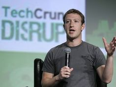 Com o impressionante índice de aprovação de 99%, Zuckerberg é o CEO mais bem avaliado na tradicional lista da Glassdoor, onde o que vale é a opinião dos funcionários. Larry Page, presidente do Google, ficou na 11ª posição, com 95% de aprovação, enquanto Tim Cook, da Apple, que foi o primeiro da lista no ano passado, caiu para 18º este ano, com 93% de aprovação. No G1 Tecnologia.