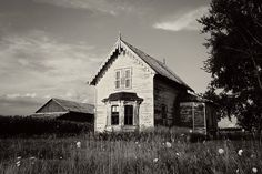 Landscape Photography Old Farmhouse Print Black and White Photography Rustic Decor Architecture Photography Abandoned House Wisconsin Art Photography Lessons, Beach Photography, Vintage Photography, Nature Photography, Photography Ideas, Portrait Photography, Black And White Beach, Black And White Landscape, Canon 80d