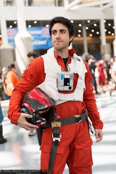 Poe dameron helmet on a budget how to diy youtube cosplay as with all of my cosplay boards please do not repin any of these solutioingenieria Gallery