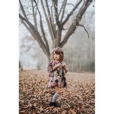 Enchanting image by @jodyesabatiniphotography of her daughter Lucca from @yo.saba.saba . This set of images are so beautiful it was so difficult to choose just one to show to you. Pop over to @yo.saba.saba to see the rest of the images.