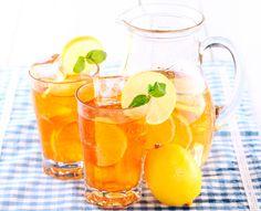 La bebida más sana es el agua. Pero cuando hace mucho calor, nos apetece algo con más sabor. Para evitar recurrir a los refrescos azucarados y con burbujas, no hay nada mejor que proponer una alternativa sana, natural, refrescante y riquísima: Las aguas de sabores. #entulínea #adelgazar con #salud