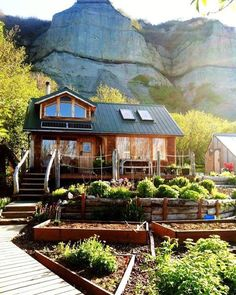 Awesome tiny cabin and garden! What do you think of it?  Photo credit: Pinterest