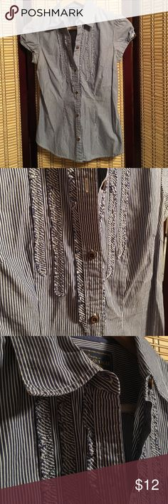 American eagle outfitters blouse size 2 Excellent condition American Eagle Outfitters Tops Blouses