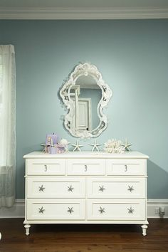 Little Mermaid is a shell bed, inspired by the Disney's princess Ariel. This luxurious princess bed will highlight the decor of any little girl's room Mermaid Nursery Theme, Little Mermaid Nursery, Mermaid Bedding, Girl Nursery Themes, Mermaid Room, Room Themes, Nautical Nursery, Nursery Ideas, Room Ideas