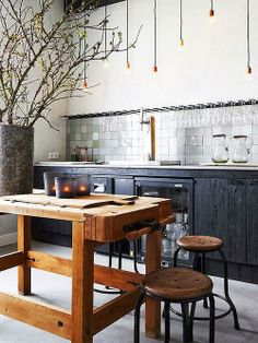 Cuisine noire et bois My Ideal home via Nat et nature