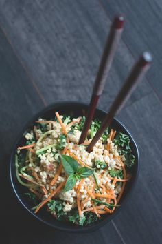 Thai coconut quinoa salad- Adding to my list of things I will start cooking when I start taking low cal seriously Coconut Quinoa Salad, Lime Quinoa, Vegetarian Recipes, Cooking Recipes, Healthy Recipes, Cooking Tips, Thai Coconut, Soup And Salad, Asian Recipes