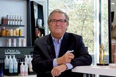 Franck François, ambassadeur inspiré de la coiffure, ne manque pas d'idées pour faire rayonner son art.«Secrets de Salons» est une nouvell... Vog Coiffure, Loreal, Salons, Breast, Suit Jacket, Suits, Unique, Jackets, Art