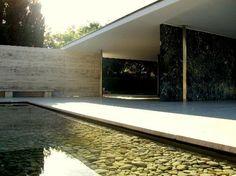 Pabellon Mies van der Rohe Architecture Details, Modern Architecture, Barcelona Pavilion, Ludwig Mies Van Der Rohe, Less Is More, Modern Materials, Bauhaus, Trip Advisor, Mid-century Modern