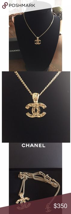 Authentic CHANEL CC Logo Gold Tone  Necklace Authentic CHANEL CC Logo Gold Tone Knit Necklace. Previously used. Excellent condition. Box included. CHANEL Jewelry Necklaces