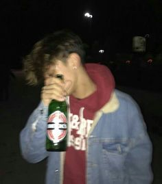 Starte neu/i am starting new 🤫 boy single lonely startingnewaccount dontjudgeme crazy alcohol germany bavaria Bad Boy Aesthetic, Aesthetic Grunge, Tumblr Boys, Beautiful Boys, Pretty Boys, Rauch Fotografie, Cute White Boys, Grunge Boy, Skater Boys