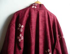 Kimono jacket - Japanese vintage - silk - wine red - tie dyed abstract flowers - WhatsForPudding #1911