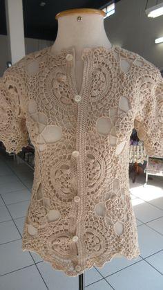 Blusa em crochê com o fio Anne da Circulo, receita do site da Coats Corrente