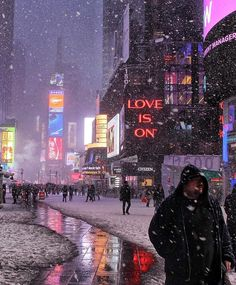 New York /Times Square is a place I want to travel to Empire State Building, Empire State Of Mind, New York Weihnachten, New York City, Nova Orleans, San Diego, San Francisco, New York Christmas, City Aesthetic