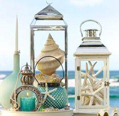 LAMPIÃO DO MAR   neste verão, substitua as velas dos lampiões, recheando-os com conchas e estrelas-do-mar. Inspire-se! #TecnisaDecor #Verão #Praia #Inspire-se #Tecnisa Foto: Houzz