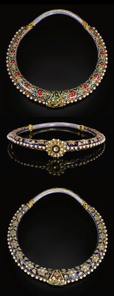 India~Jaipur, Enamelled & gem set torque (Hasli), c. Mughal Jewelry, India Jewelry, Tribal Jewelry, Silver Jewelry, Antique Necklace, Antique Jewelry, Vintage Jewelry, Ancient Jewelry, Wedding Jewelry