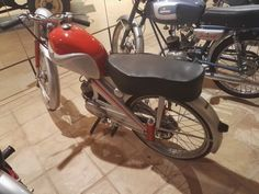 Museo Sala Team - Ducson Reprís de 1960. Esta empresa de los hermanos Solá Rabasa fabricó motocicletas hasta 1988.