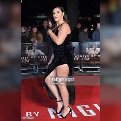 Favourite pap shot from the @livebynightmovie premier simply because you can see cellulite. Social media gives us a voice & platform to normalise these perfectly human qualities that are often demonised in tabloids. This is for my ladies with cellulite, wear a thigh high split dress to frame those beautiful legs 😌 #nosizefitsall #jadasezer #bodypositive #selfesteem   wearing  Dress @prettylittlething  Shoes @ysl Clutch @louisvuitton  Glam @sophiabrad  Hair @enasalon
