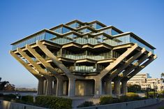 6 of the Coolest Campus Libraries in the United States  http://www.lifeoftrends.com/6-coolest-campus-libraries-united-states/