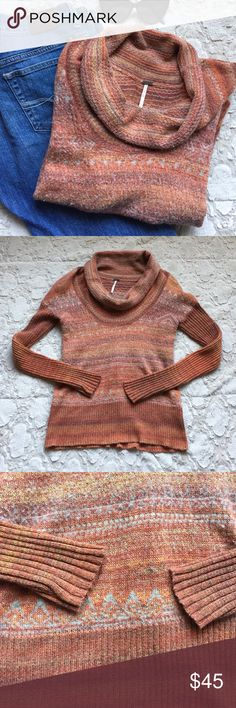 🎉HP🎉Free People Turtleneck Sweater EUC (minimal signs of wear). Stretchy. Wool material. Will keep you warm for the Fall and Winter. Bundle and save!💕 Free People Sweaters Cowl & Turtlenecks