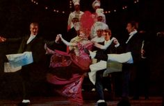 OperaQueen - Mary Martin and the London cast of Hello Dolly!...