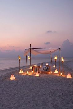 maldives honeymoon Consider a unique wedding venue with a secluded sandbank ceremony held on the shores of these luxury Maldives resorts. Places To Travel, Places To Go, Honeymoon Destinations, Honeymoon Checklist, Honeymoon Hotels, Honeymoon Ideas, Romantic Places, Romantic Beach, Romantic Honeymoon