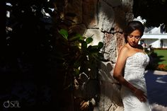 Wedding at The Royal Playa del Carmen, lovely bride in a strapless bridal gown with a kiss of sunshine.  Mexico wedding photographers Del Sol Photography