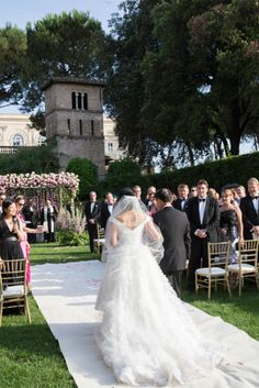 A blush floral Chuppah | Destination Wedding with a Floral Chuppah in Rome | Smashing the Glass Jewish wedding blog